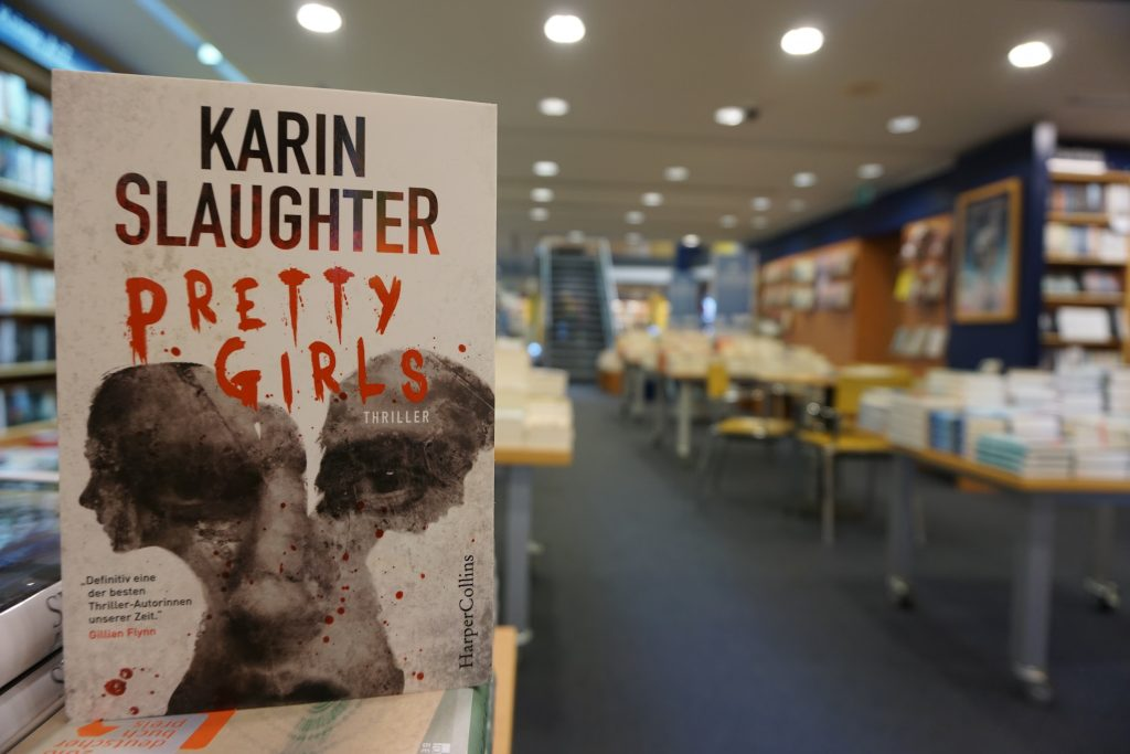 "Karin Slaughter: ""Pretty Girls"""